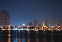 Sharjah bij Nacht Stock Afbeeldingen