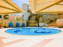 Sharm El谢赫,埃及- 2017年9月25日:豪华旅馆看法作海滩胜地Sharm 5个星与蓝色的天 库存照片