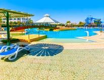 Sharm El谢赫,埃及- 2017年9月25日:豪华旅馆看法作海滩胜地Sharm 5个星与蓝色的天 库存图片