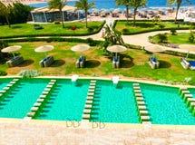 Sharm El谢赫,埃及- 2017年4月8日:看法豪华旅馆Barcelo Tiran Sharm 5担任主角与蓝天的天 库存照片