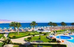 Sharm El谢赫,埃及- 2017年4月8日:看法豪华旅馆Barcelo Tiran Sharm 5担任主角与蓝天的天 库存图片