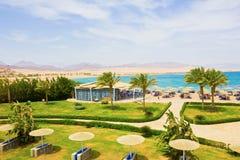Sharm El谢赫,埃及- 2017年4月8日:看法豪华旅馆Barcelo Tiran Sharm 5担任主角与蓝天的天 免版税库存图片