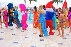 Sharm El谢赫- 2017年4月12日:动画比赛的游人在Barcelo Tiran Sharm旅馆5 库存图片