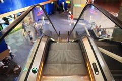 """Sharm el Sheikh, ÄGYPTEN-†""""am 12. Juni: Rolltreppen am Flughafen am 12. Juni 2015 Stockfotos"""
