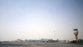 Sharm el-Sheikh ÄGYPTEN - September 2015: Sharm el-Sheikh-internationaler Flughafen in Ägypten Spur to/from Berg Sinaigipfel Lizenzfreie Stockfotos