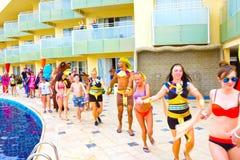 Sharm el Sheikh - 12 de abril de 2017: Turistas no jogo da animação no hotel 5 de Barcelo Tiran Sharm Imagem de Stock Royalty Free