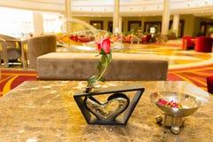 Sharm El Sheikh Egipt, Kwiecień, - 13, 2017: Hotelu lobby przy luksusowym pięć gwiazd hotelem RIXOS SEAGATE SZARM Obrazy Stock