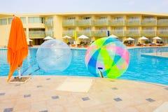 Sharm El Sheikh Egipt, Kwiecień, - 09, 2017: Pusty nadmuchiwany balon, mieć zabawę na wodzie Obrazy Royalty Free