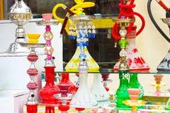 Sharm el Sheikh, Egipto - 13 de abril de 2017: La cachimba en la tienda de regalos Imagen de archivo libre de regalías