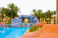 Sharm el Sheikh, Egipto - 13 de abril de 2017: Los cinco de lujo protagonizan el hotel RIXOS SEAGATE SHARM Imágenes de archivo libres de regalías