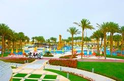 Sharm el Sheikh, Egipto - 13 de abril de 2017: Los cinco de lujo protagonizan el hotel RIXOS SEAGATE SHARM Imagen de archivo libre de regalías