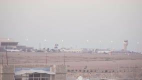 SHARM EL SHEIKH, EGIPTO - 6 DE MARÇO: Aviões do Sharm-EL Sheikh International Airport video estoque