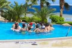 Sharm el-Sheikh, Egipto - 14 de marzo de 2018 Se dedica el concepto de la aptitud, una clase de la aptitud, un grupo de personas Imagenes de archivo