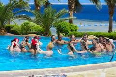 Sharm el-Sheikh, Egipto - 14 de marzo de 2018 Se dedica el concepto de la aptitud, una clase de la aptitud, un grupo de personas Foto de archivo libre de regalías