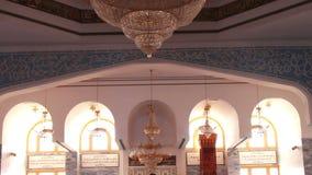 Sharm el-Sheikh, Egipto - 30 de noviembre de 2016: interior dentro de una mezquita almacen de video