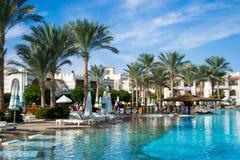 SHARM EL SHEIKH, EGYPTE - DECEMBER 15: De toeristen zijn op vakantie bij populair hotel op 15 December, 2014 in Sharm el Sheikh,  Royalty-vrije Stock Foto's