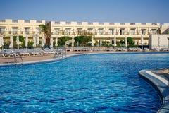Sharm el Sheikh, Egypte op 7 Maart, 2013: Pool Concorde Hotel Spo Royalty-vrije Stock Afbeeldingen