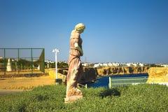 Sharm el Sheikh, Egypte - September 24, 2017: De mening van luxehotel droomt de Strandtoevlucht Sharm 5 bij dag met blauw meespee Stock Fotografie