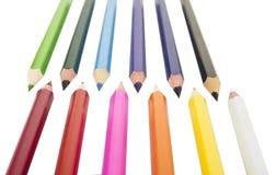 Sharpened coloriu lápis no fundo branco fotografia de stock