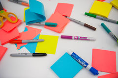 Free Sharpie Markers And Postits Are Ready For Art Stock Photo - 95593080