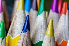 Sharps de lápis coloridos apontados imagem de stock