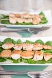 Shashlik цыпленка с салатом Стоковые Изображения RF