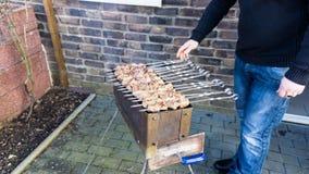 Shashlik - barbecue russe traditionnel Viande sur le barbecue smo Image libre de droits