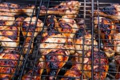 Shashlik posto de conserva da galinha que prepara-se em uma grade do assado Fotos de Stock Royalty Free