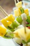Shashlik van vruchten stock foto's