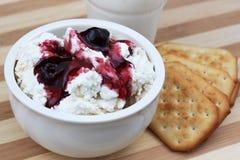 Shavuot传统膳食的乳制品 库存图片