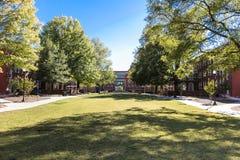 Shaw Hall en Vierling bij UNCG stock afbeeldingen