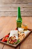 Shawarma на подносе Стоковая Фотография RF