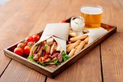 Shawarma на подносе Стоковое Фото