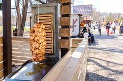 Shawarma один из самого популярного фаст-фуда стоковые изображения