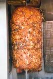 Shawarma asado auténtico del pollo imagen de archivo