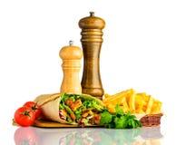 Shawarma con le fritture isolate su fondo bianco Fotografia Stock Libera da Diritti