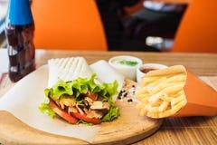 Shawarma en Frieten stock fotografie