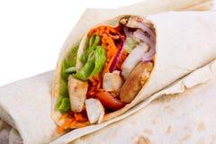 Shawarma met vlees op een witte achtergrond wordt geïsoleerd die Stock Afbeelding