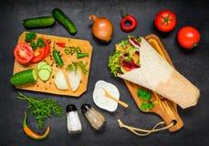 Shawarma mit Gemüse Lizenzfreie Stockfotos
