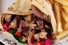 Shawarma Platte. Lizenzfreies Stockfoto