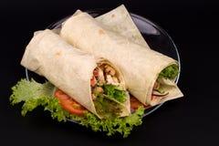 Shawarmas en lechuga Imágenes de archivo libres de regalías