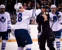 Shawn Thornton v Colton Orr Fotografie Stock