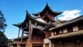 Shaxi marknadsfyrkant med teatern, Shaxi, Yunnan, Kina arkivbild
