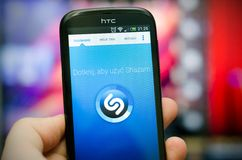 Shazam è servizio dell'identificazione di musica Immagine Stock
