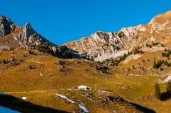 Sheepfold em um vale de Prealps suíço foto de stock royalty free