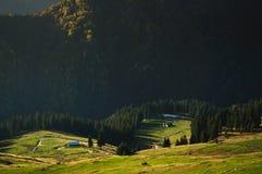 Sheepfolds de la montaña en la oscuridad Imagen de archivo libre de regalías