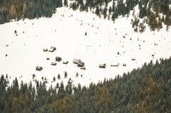 Sheepfolds esquecidos na paisagem do inverno Foto de Stock