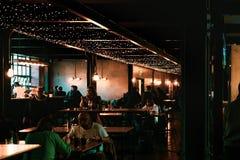 SHEFFIELD, REINO UNIDO - 9 DE DEZEMBRO DE 2018: O salão de jantar de trabalhos da cutelaria fotos de stock