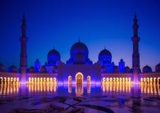 Sheikh μεγάλο μουσουλμανικό τέμενος Zayed στο Αμπού Νταμπί στοκ εικόνα με δικαίωμα ελεύθερης χρήσης