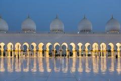 Sheikh μουσουλμανικό τέμενος Zayed στο Αμπού Νταμπί Στοκ Εικόνες